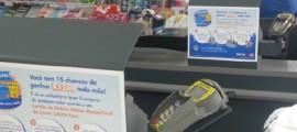 Midia-alternativa-adesivo-check-out-personalizado-Grupo-Four-Midia-campanha-Compre-Fácil-Caixa-MasterCard-8