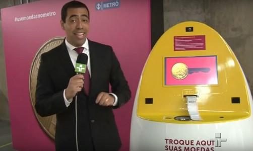 ativacao-grupo-four-midia-cata-moeda-campanha-use-moedas-no-metro-agencia-novasb-reportagem-jornal-da-cultura